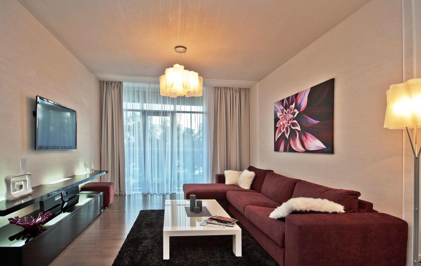 угловой диван в узкой комнате фото отличаются